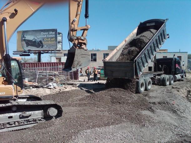pk lot dump truck may 15 2010.jpg